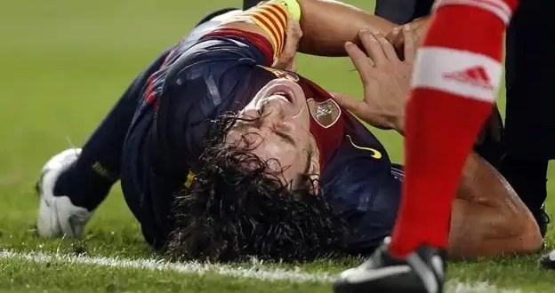 Video: Terrible luxación de codo de Carles Puyol