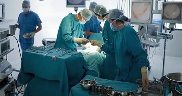 Preso se fuga para someterse a una cirugía estética