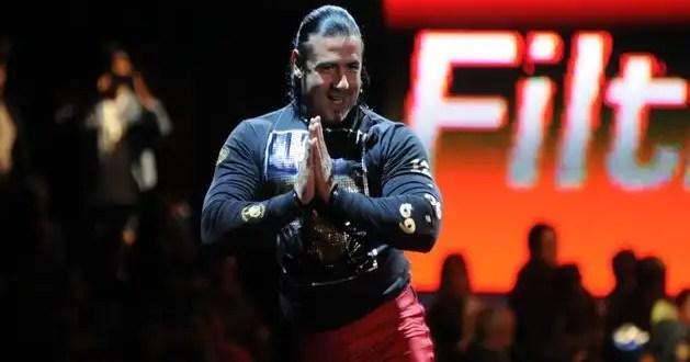 El luchador Héctor Garza tiene cáncer pulmonar