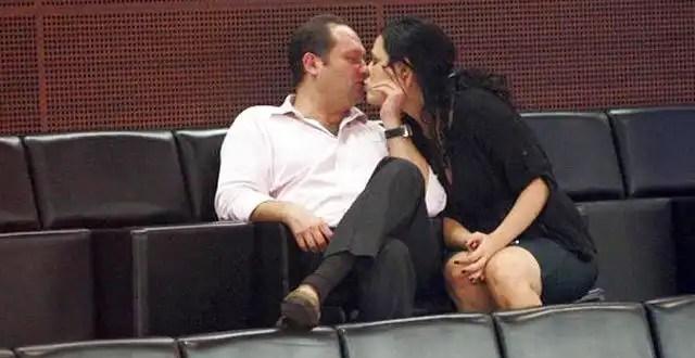 Fotos: Senadora a los besos con su novio en pleno debate de Reforma Laboral