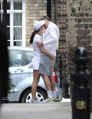 Pippa Middleton y su novio se manosean en la calle - Fotos