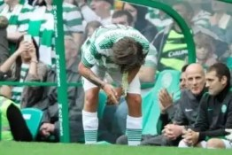 Video: Louis Tomlinson, de One Direction, vomitó en partido