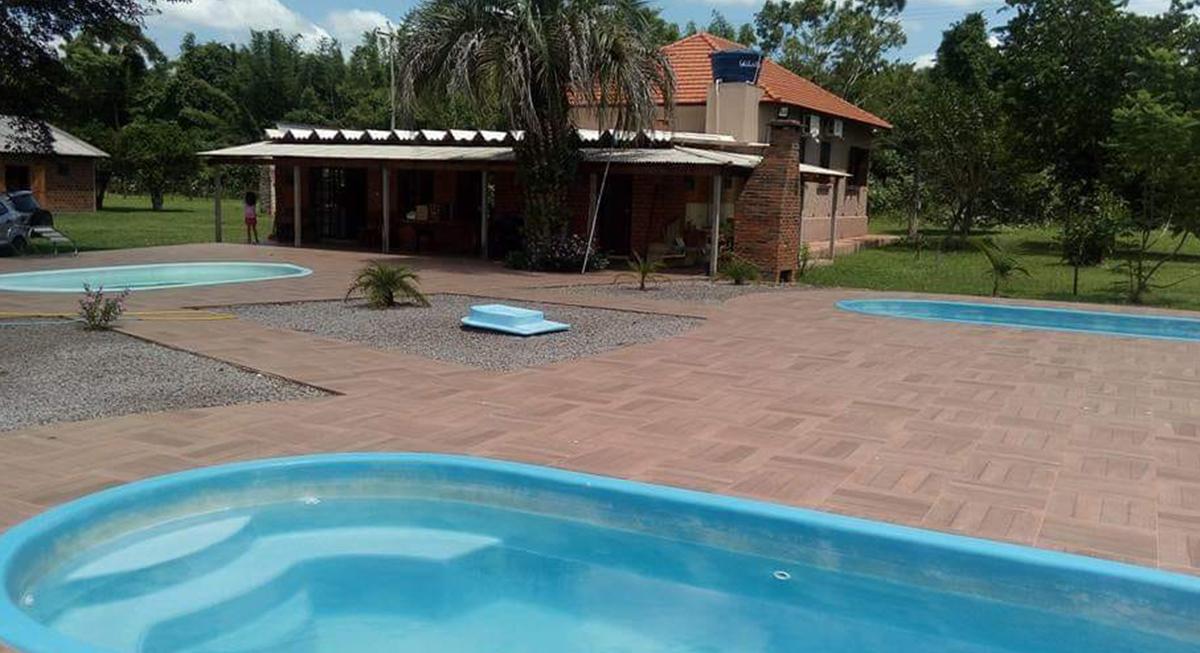 sitio-para-retiro-beira-do-rio-piscina-1