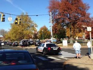 Un hombre armado en Universidad causa pánico en Connecticut
