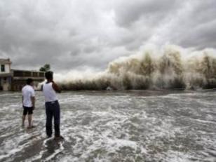Al menos 10.000 muertos deja el tifón Yolanda en Fiipinas