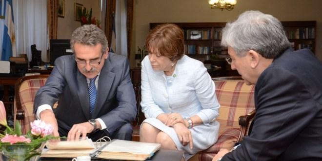 Rossi revisó las actas de Papel Prensa junto a Papaleo de Graiver