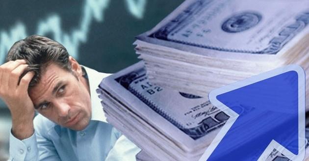 """Dolar """"ilegal"""" imparable a un paso de los 12 pesos"""
