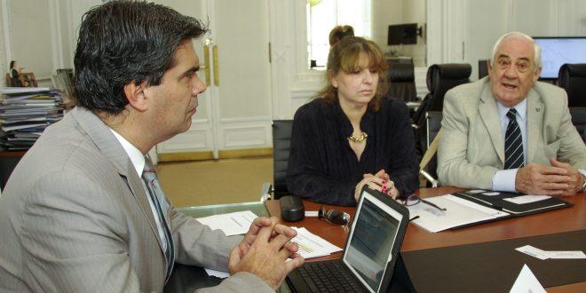 Capitanich analizó con miembros de la Cámara de construcción de embarcaciones incentivos a la producción