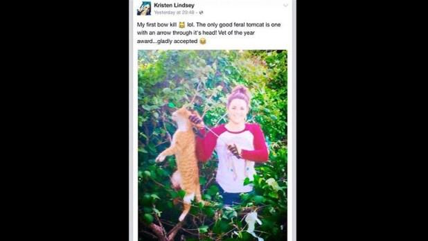 Mató a un gato con un flechazo y publicó la foto en Facebook
