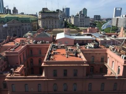 La casa rosada que mando hacer Cristina en el techo de la Casa Rosada