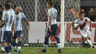 Argentina empató con Perú y cayó en zona de repechaje
