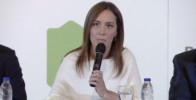 Vidal aceptó reunirse con los gremios con la condición de que no hagan más paros
