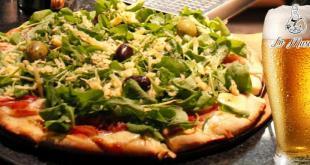 ¿Hay más pizza en una grande o en dos chicas?