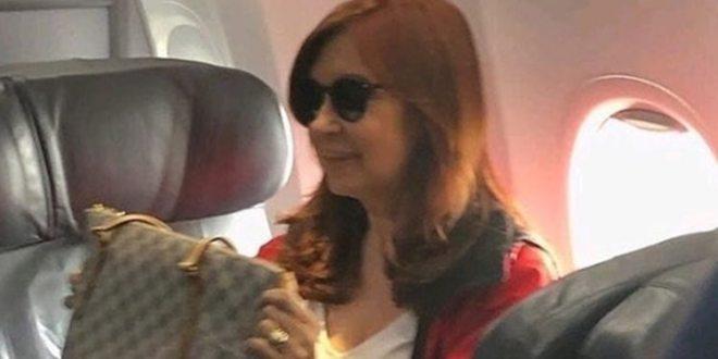 Cristina Kirchner viaja a Cuba para visitar a su hija Florencia pese a la muerte de su madre