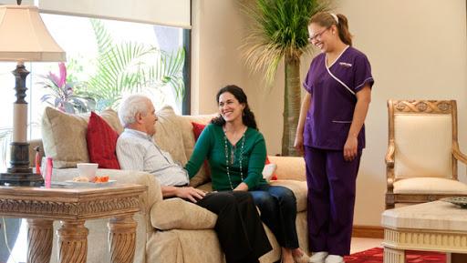 ¿Cómo cuidar a un adulto mayor en casa?