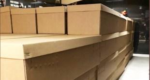 En Ecuador reparten ataúdes de cartón ante la escasez de los de madera por Coronavirus