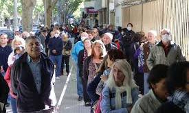 Nuevas medidas para evitar las largas filas que se produjeron en los Bancos
