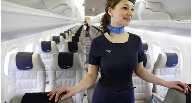 Conoce los trucos de las azafatas en pleno vuelo