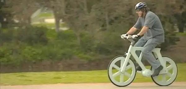 Insólita bicicleta de cartón por sólo 16 dólares - Fotos