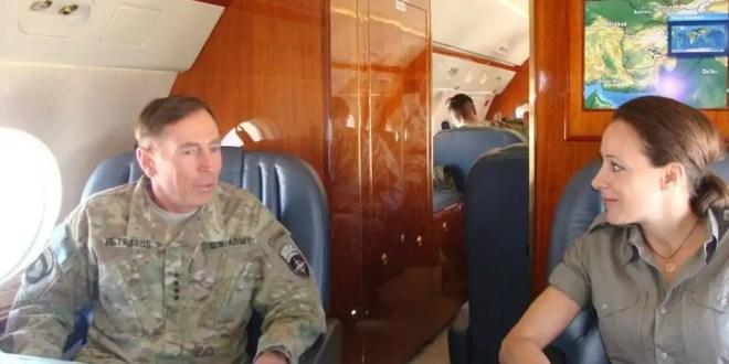 Director de la CIA dimite por una relación extramatrimonial