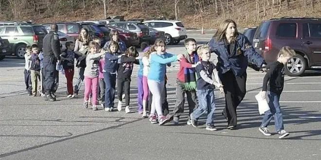 Tiroteo en Connecticut deja 27 muertos en una escuela infantil