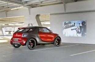 Nuevo coche Smart con videoproyector de cine incorporado - Fotos y Vídeo