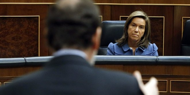 Rajoy traiciona a Ana Mato frente a todos en el Congreso