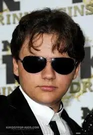 Debuta el hijo de Michael Jackson como presentador de televisión