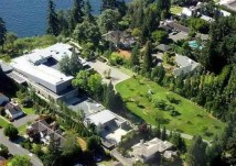 Bill Gates.Exteriores con vista al lago Washington