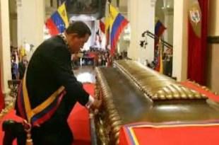 La maldición de Simón Bolívar alcanzó a Hugo Chávez