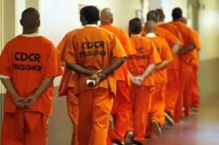 Los narcos mexicanos fichan a presos en Estados Unidos