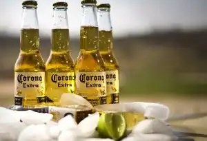 La cerveza mexicana más vendida pasa a manos belgas