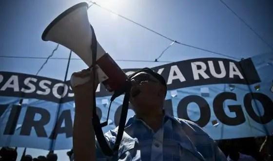 Bruselas prepara nueva ayuda para Portugal sin el FMI