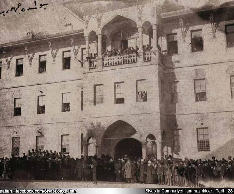 Sivas'ta Cümhuriyetin İlanı