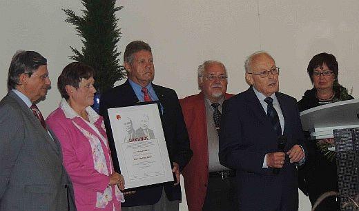 im Bild von links: Prof. Dr. Zöpel, Waltraud Schäfer, Willi Brase, Roland Abel, Eberhard Bauer und Petra Weskamp.