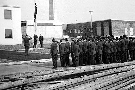 Die erste Flaggenparade am Luftwaffenstandort jährt sich im kommenden Jahr zum 50sten mal, Foto: Luftwaffe (1966)
