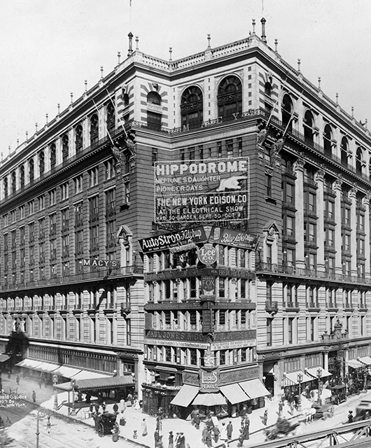 Original Macy's (1907) at Herald Square (Source: Wikimedia Commons)