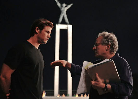 """Chris Hemsworth being directed by Michael Mann on the set of """"Blackhat"""" (Source: Indiewire)"""