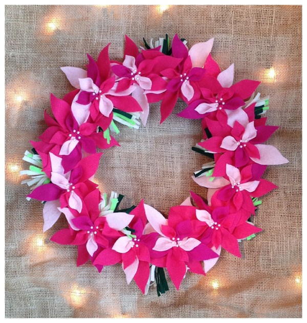#wreath #diy #project #christmas #holiday #craft #wreathtutorial #howtowreath