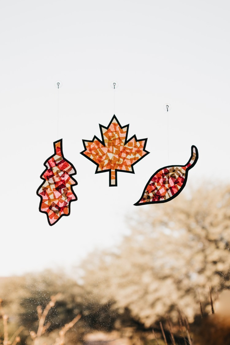 Fall Craft   Leaf Crafts for Kids Free Printable   Kids' Fall Craft Free   Children's Fall Leaf Crafts   Crafts for Kids-Fall Harvest   Autumn Crafts   Autumn Craft Ideas   Autumn Craft Activities   Fall Kids Crafts Elementary   Fall Kids Crafts Easy   Fall Crafts for Kids   Leaf Crafts for Kids   In the mood for crafting with the kiddos? Check out this #kidscraft that includes free printable leaf templates. It's a fun #fall craft! #sixcleversisters