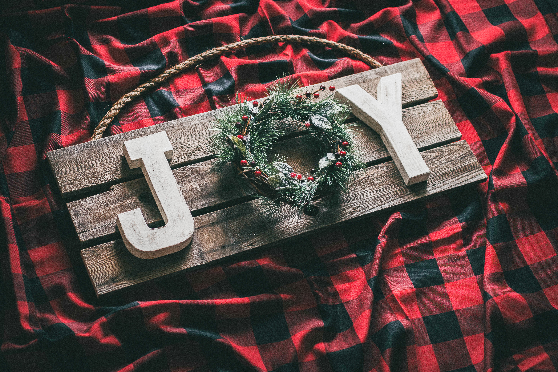 DIY Rustic Christmas Joy Sign Using Pallet Wood - Six ...