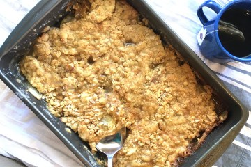 Apple Oatmeal Crisp Recipe | Apple Dessert | Apple Cobbler | Fall Dessert | Spring Dessert | Easter Dessert | Thanksgiving | Sweet Tooth | Fruit Dessert | Six Clever Sisters