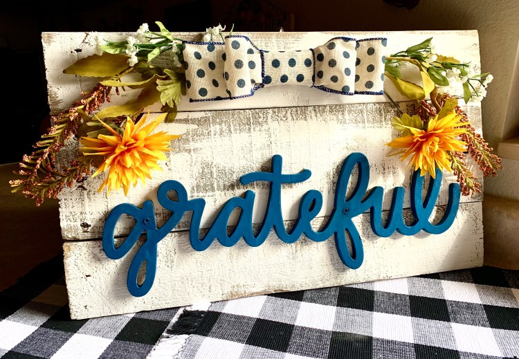 Fall Wooden Pallet Sign DIY   Easy Farmhouse Project   Pallet Wood Project   DIY Pallet   Easy Fall Decor   Fall Sign   Fall Wreath   Fall Craft   Easy Pallet Project   Six Clever Sisters