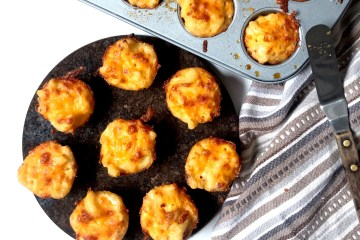Appetizer   Easy Appetizer   Kid Friendly   Kid Friendly Appetizer   Party Food   Kid Party   Christmas Food   Fun Food   Mac and Cheese   Mac and Cheese Appetizer   Mac N Cheese Bites   Bacon Appetizer   Mac with Bacon   Six Clever Sisters