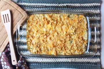 Chicken Broccoli Casserole | Chicken Broccoli Rice | Chicken Broccoli Rice Cheese | Easy Dinner | Budget Friendly Meal | Family Dinner | Weeknight Dinner | Easy Dinner Recipes for Family | Quick Dinner Ideas | Quick Chicken Dinner | Family Dinner Ideas | Chicken Recipes | Casserole | Chicken Casserole | Six Clever Sisters
