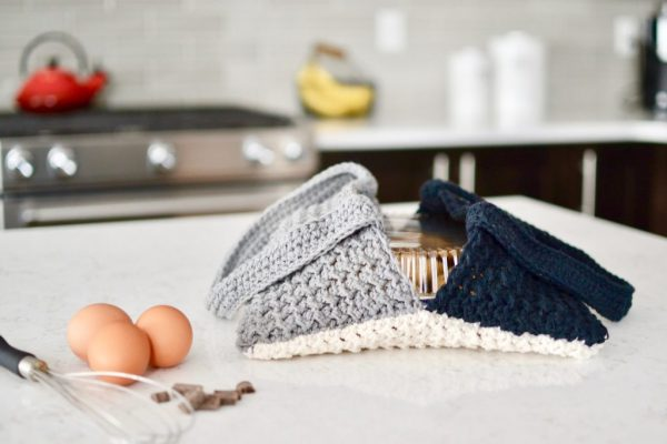 Free Crochet Patterns | Free Crochet Dishcloth Patterns | Free Crochet Dishcloth Patterns Cotton | Free Crochet Towel Patterns | Free Crochet Dish Cloth Patterns Easy | Free Crochet Dish Scrubby Patterns | Farmhouse Decor | Farmhouse Kitchen | Farmhouse Crochet Dishcloth | Farmhouse Crochet Table Runner | DIY Farmhouse Decor | Six Clever Sisters
