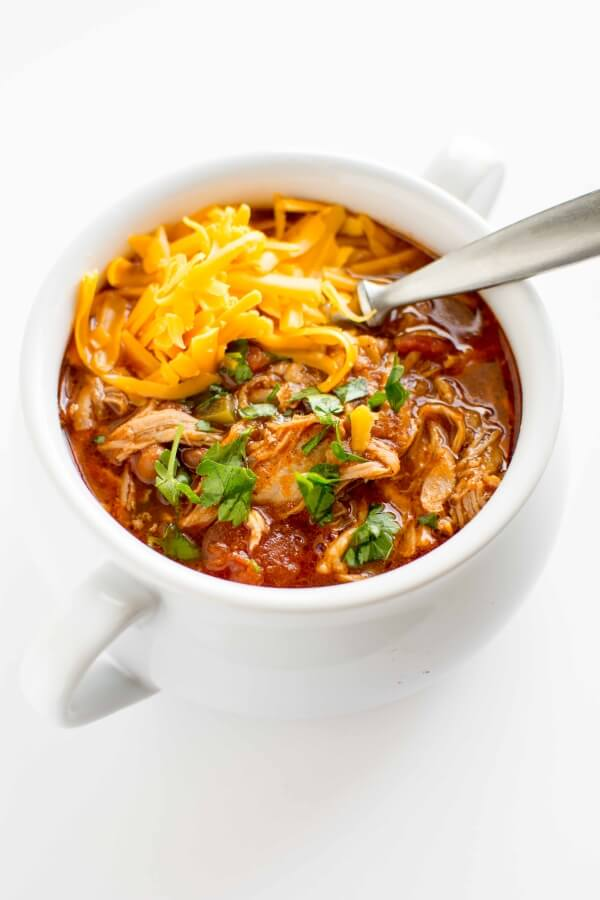 Chili Recipe | Chili Recipe Easy | A Good Chili Recipe | A Great Chili Recipe | White Chili Recipe | Chicken Chili Recipe | Beef Chili Recipe | Crockpot Chili | Crockpot Chili Recipe | Healthy Chili Recipe | Instant Pot Chili Recipe | These delicious chili recipes make for some great dinner ideas. With the cooler weather coming, they'll be perfect chili recipes for fall and winter nights. Make a pot and enjoy all these yummy comfort food recipes! #chili #recipe #recipeoftheday #dinner #easyrecipe #chilirecipe #recipes