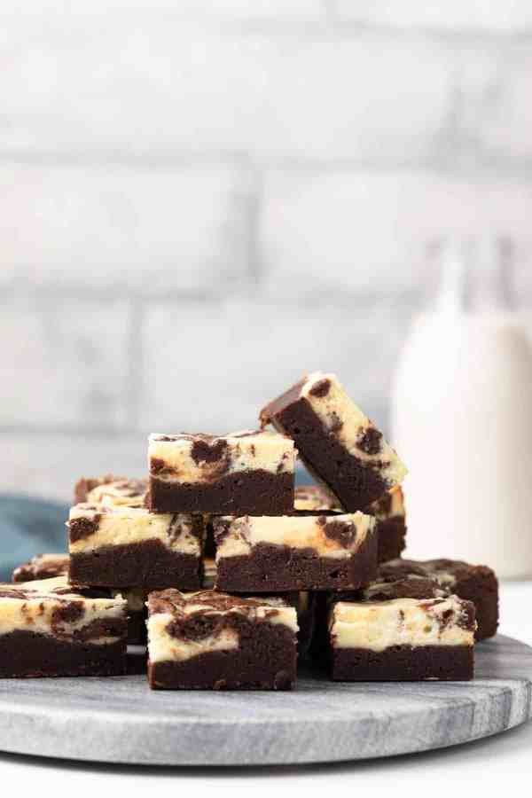 Brownie Recipe   Brownie Recipe Easy   Brownie Recipe Add Ins   A Homemade Brownie Recipe   Brownies Recipe Homemade   A Homemade Brownie Recipe   Valentines Dessert Recipes   Valentine's Dessert Recipe Ideas   Chocolate Valentines Dessert Recipes   Valentines Day Dessert Ideas   Valentines Day Desserts   Looking for a great Valentine's Day dessert? These brownie recipes all look SO good and are a great variation from your normal brownies. #recipe #chocolate #dessert #dessertfoodideas #valentinesday #valentine #recipeoftheday #easyrecipe