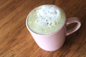 Copycat Starbucks Pistachio Latte | How to make pistachio latte | How to make hot pistachio latte | Copycat Starbucks latte | Copycat Starbucks recipes | Copycat Starbucks Drinks | Copycat Restaurant Recipes | Six Clever Sisters