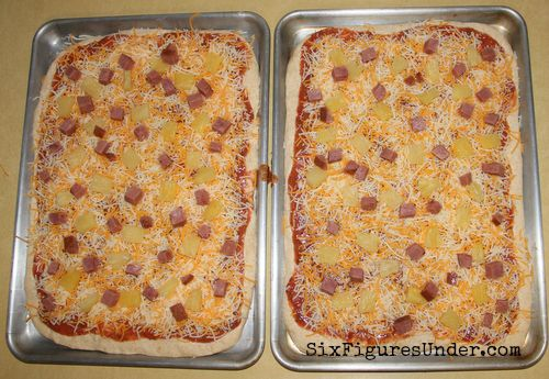 Recipe and Tutorial for Delicious Homemade Pizza